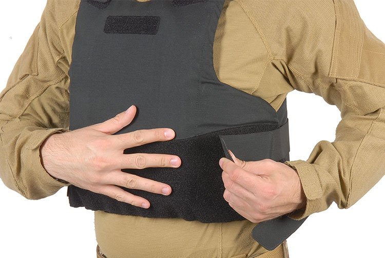 THOR Concealabl Reinforced Vest - closing