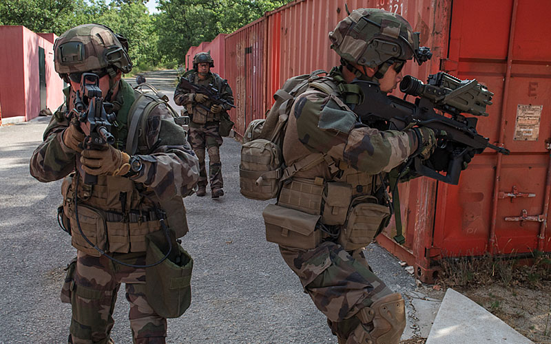 French army wearing THOR carriers